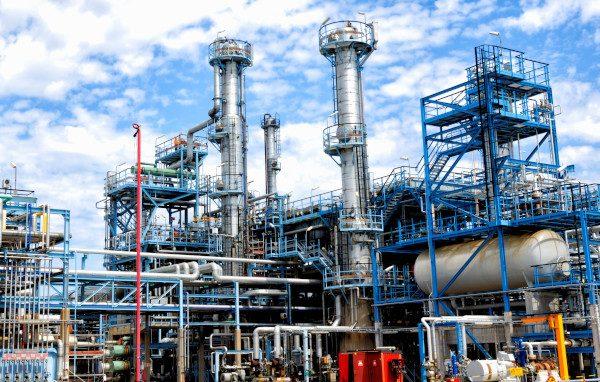 oil and gas refinery SKQZ2a6Vs small